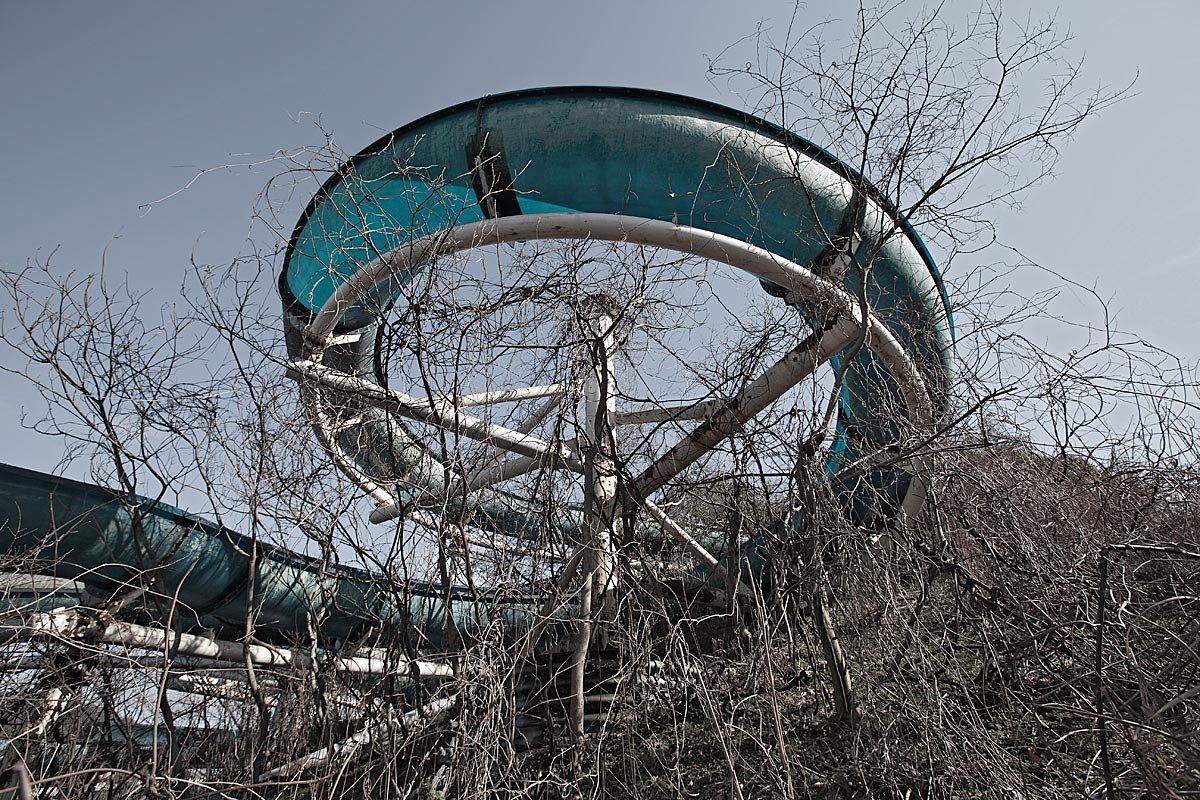 it was a pleasure #8, japan, 2010 (water slide, now demolished)
